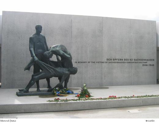 Sachsenhausen_memorial_statue